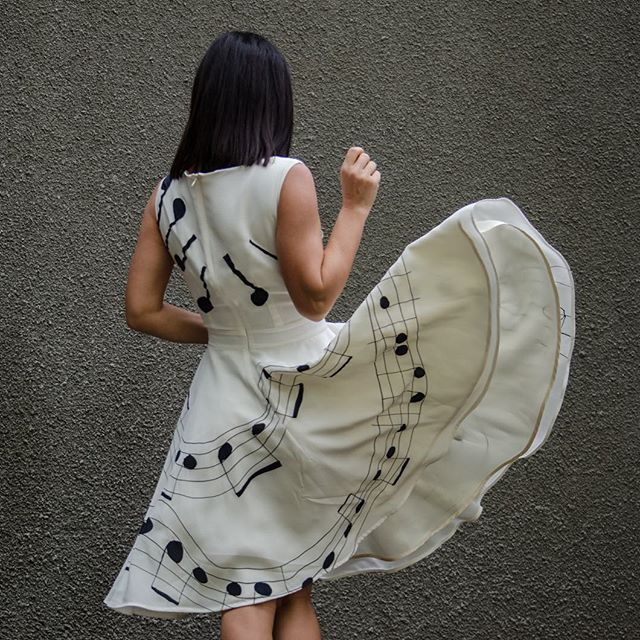 A wonderful silk #dress that uniquely uplifting as any music gave me this is #designer @sarti_di_adriana_tiron Thank you ❤️️You like ?? ✅ You can #buy @lookapp.eu #shoponline by @zazyround #dressoftheday#silkdress#silk#dress#lifeisgood#inspo#outfitinspo#blogger#fashionblogger#collection#exclusive_shot#exclusivedress#abito#compraonline#femme#fashion#instagood#instablogger#instamoda#платье#шелковоеплатье