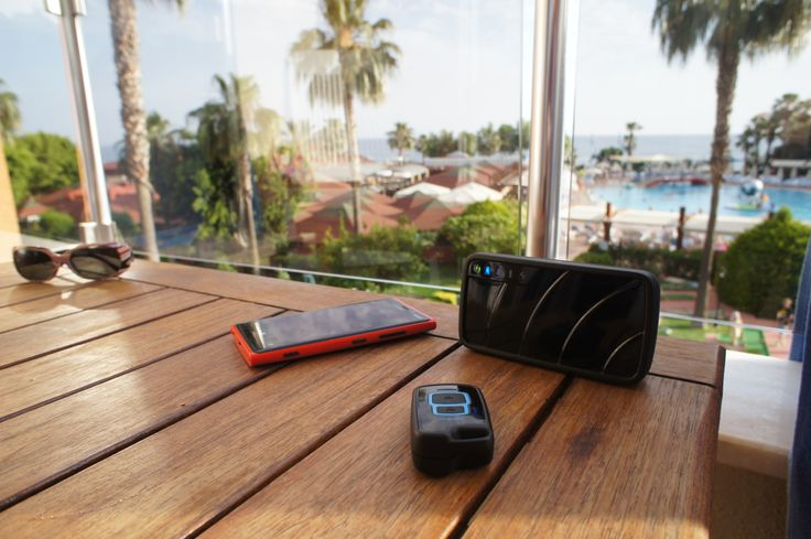 Vibsolas Gea is an easy travel monitor for watching your luggage and hotel room