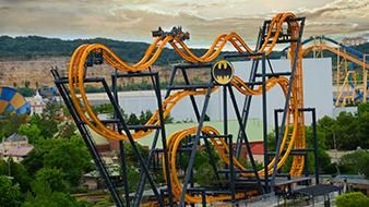 is six flags open on labor day