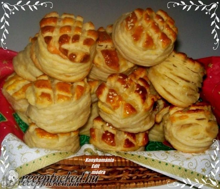 A legjobb Leveles sajtos pogácsa recept fotóval egyenesen a Receptneked.hu gyűjteményéből. Küldte: Vass Laszlone