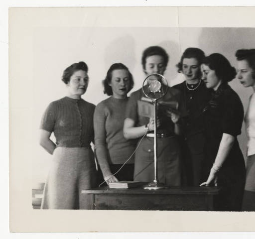 Six students participating in Student Quiz over radio station WSPR, Springfield :: Archives & Special Collections Digital Images :: 1939