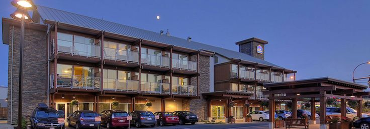 The Westerly Hotel & Convention Centre - Vancouver Island BC Golf Vacations, Courtenay, BC