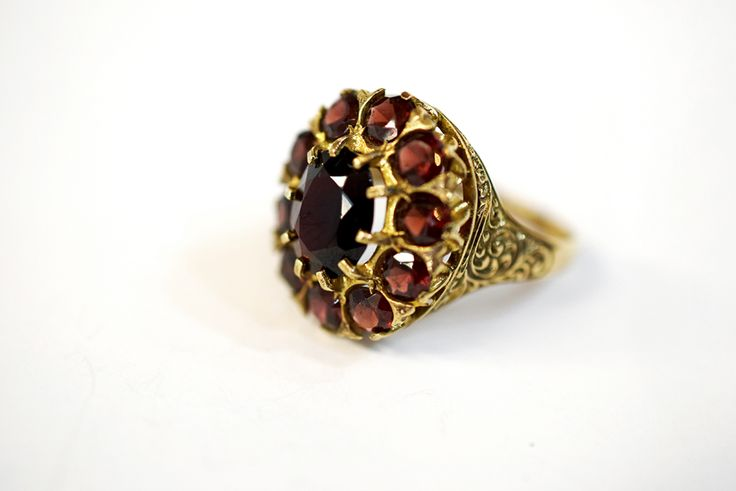 Check out this little beauty circa 1907 #edwardian #garnet #antique