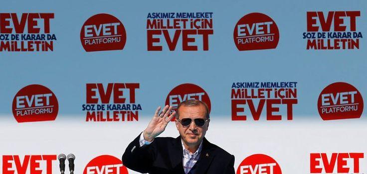 Times: Erdoğan'ın mitingine katılım, ücretsiz otobüslere rağmen düşüktü.