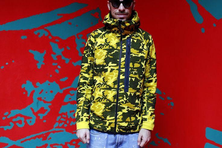 Nike felpa con cappuccio camouflage!  http://www.agoprime.it/nike-felpa-con-cappuccio-camouflage/