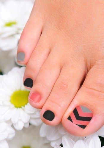 Black and Orange Toenail Art Design