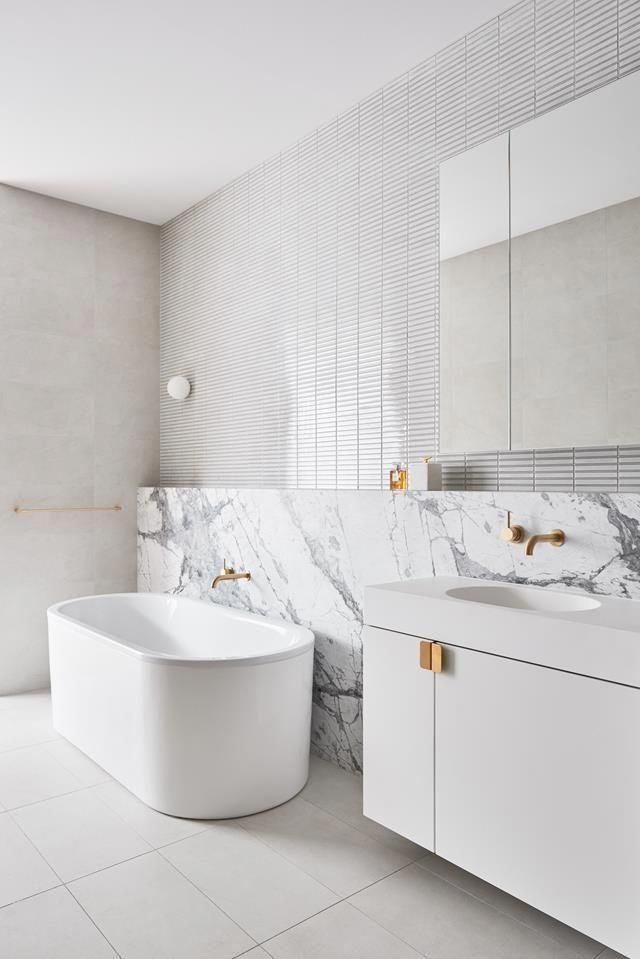 4 Bathroom Trends Inspired By Boutique Hotel Style In 2020 Badezimmer Design Bad Styling Badezimmer Renovieren