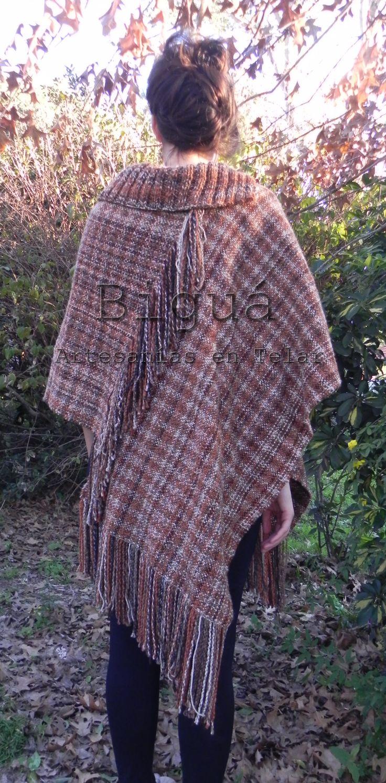 Poncho irregular tejido a telar http://bigua-telar.blogspot.com.ar/