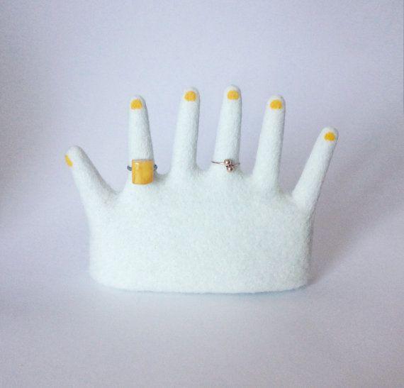 Bague porte SIX doigts main par Wooolsculpture sur Etsy