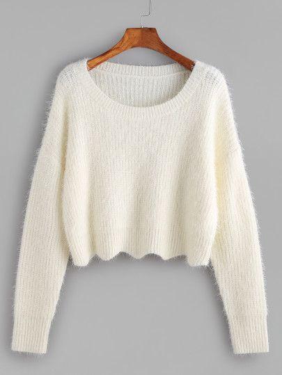 Pull pelucheux courte à l'épaule laissé -blanc