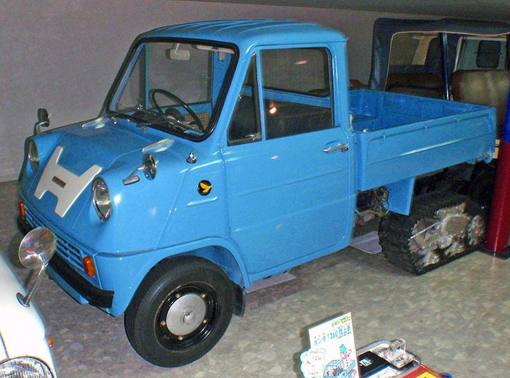 A photo of the first production Honda automobile, the Honda T360. This is the snow edition.