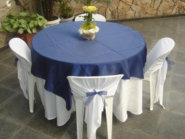 cadeira de plástico decorada  | Dê atenção aos mínimos detalhes vestindo as cadeiras e decorando ...