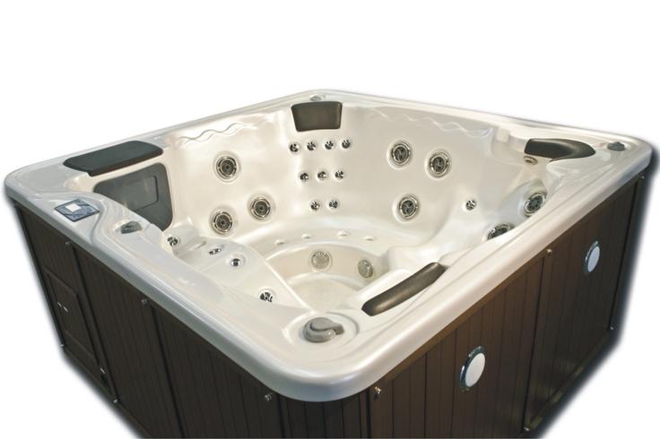Più di 25 fantastiche idee su Vasche Idromassaggio su Pinterest  Patio vasca idromassaggio ...