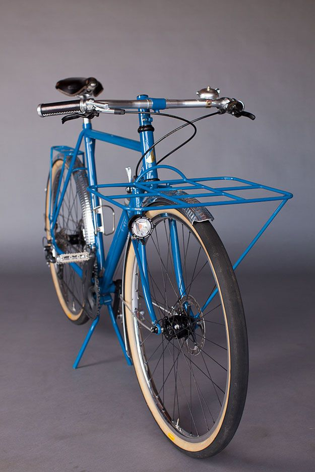 Tony Pereira is known for his pared-back, fillet brazed frames that span virtually all genres: MTB, cyclocross, road, grand tourers and elegant porteurs.