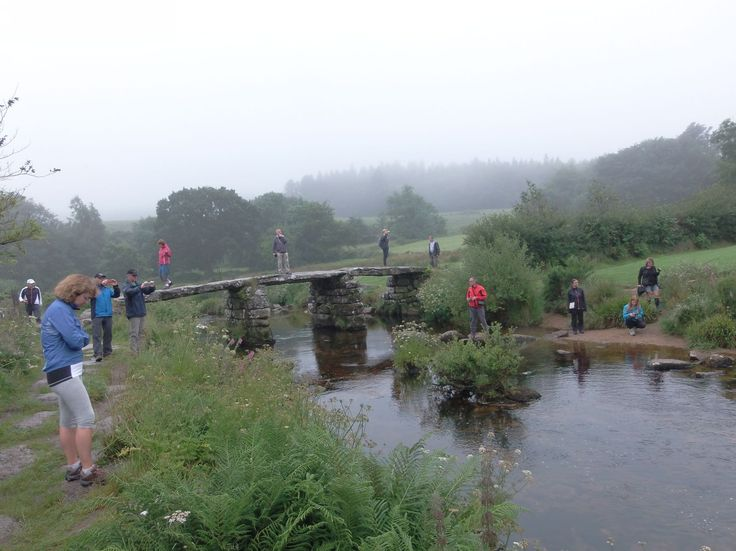 "Druhá ze dvou mostů ""Two Bridges"" u Postbridge v Dartmoor National Park."