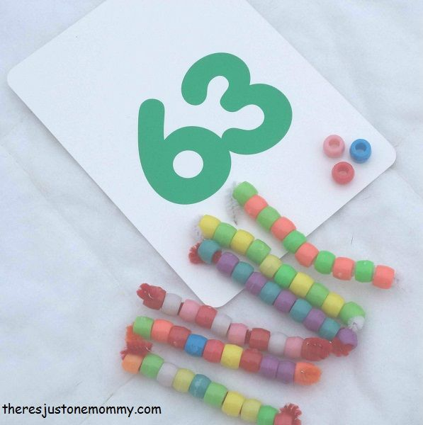 Is your child struggling with place value? Learning to add 2 digit numbers? These simple, DIY math manipulatives can help! And they are easy to make!