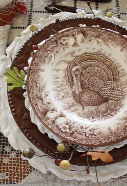 Thanksgiving Table SettingTables Sets, Turkey Plates, Fall Thanksgiving, Fall Autumn, Stacked Ems, Places Sets, Fall Tablescapes, Thanksgiving Tables, Autumn Thanksgiving