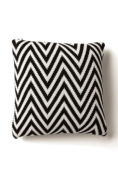 Knitted Zig Zag Cushion #witcherywishlist