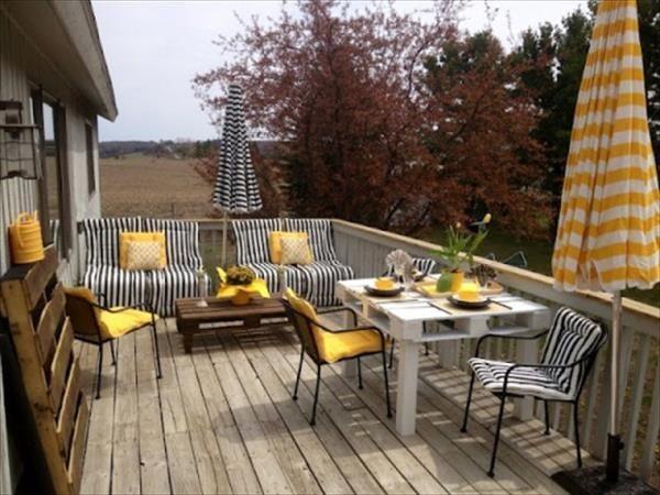 DIY Cozy Pallet Patio Furniture Instructions   99 Pallets