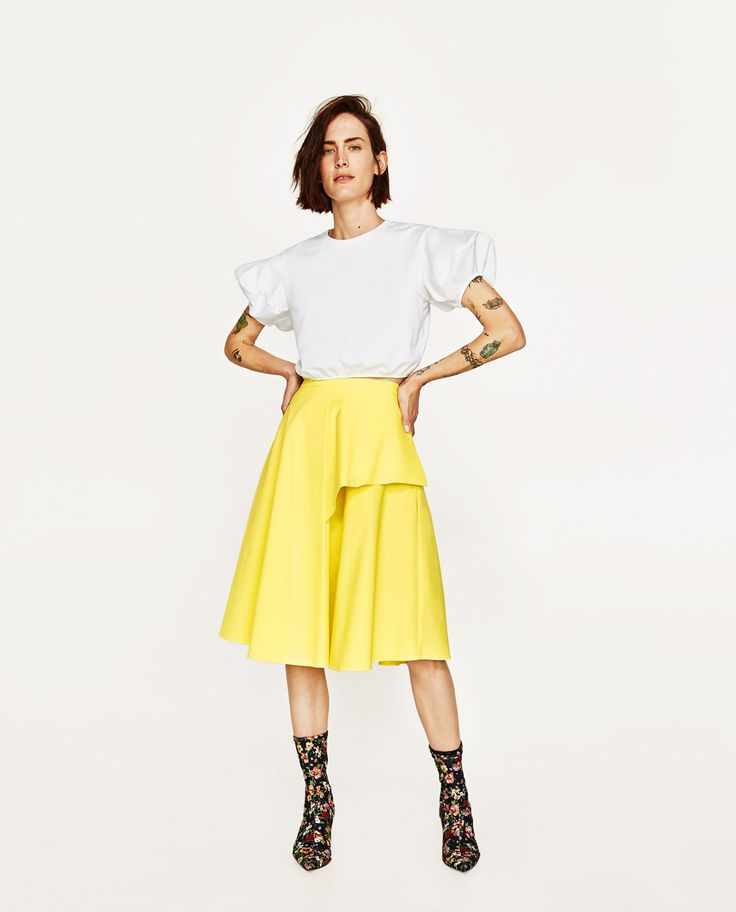 Bright summer A-line skirt. Balanced well with a top with fuller sleeves.