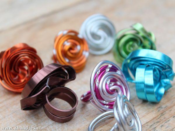 #ringen gemaakt met #aluminiumdraad . lees het blog van 2handjes en maak ze zelf.