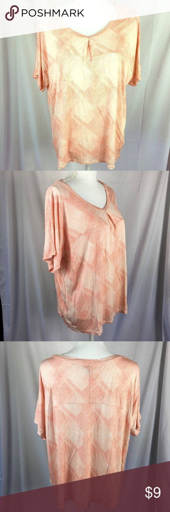 """Old Navy short sleeve top boxy Loose fit size XL Loose fit super soft top in great condition! Geometric orange and light pink shapes. 100% rayon.   Shoulders 25"""" Bust 25"""" Length 24"""" Old Navy Tops Tees - Short Sleeve"""