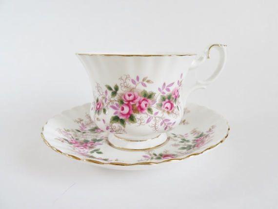 Royal Albert Lavender Rose Teacup, Vintage Royal Albert Tea Cup, Fine Bone China Teacup and Saucer, Made in England, Garden Tea Party