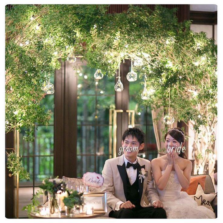 * 余興をみてきゃーって言ってるところ^ ^ すごい顔してるけど何話してたんだろう‥ 結婚式当日の写真は、楽しみすぎて、笑いすぎて顔が崩壊してました笑 でも心の底から楽しいって思ってたからよしとします!♡笑 自然にくしゃって笑って顔がキレイなままの花嫁さんが羨ましい〜(о´∀`о) * ところで、最近夜寝つけません‼︎:; 不眠症‥??夜中の2時とかでも目がぱっちり引越して慣れない環境のせいか、仕事初めて1カ月経つけどその疲れか いい睡眠方法あれば教えて下さい〜 * #眠れないから夜更新#羊も数えたよ##めー#転勤妻 #転勤族の妻#fortunegardenkyoyo#treatdressing#トリートドレッシング#卒花#前撮り#後撮#ウェディングドレス#モニークルイリエ#ハナコレ#ウェディングソムリエ#ウェディングニュース#ハナコレストーリー#高砂#グリーン#高砂装飾#asakawedding