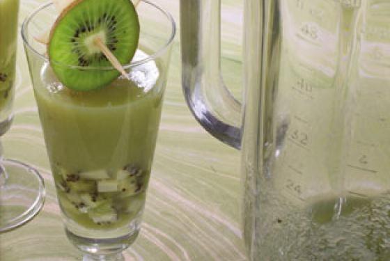 Minestrone de kiwis au champagne et jus de kiwi