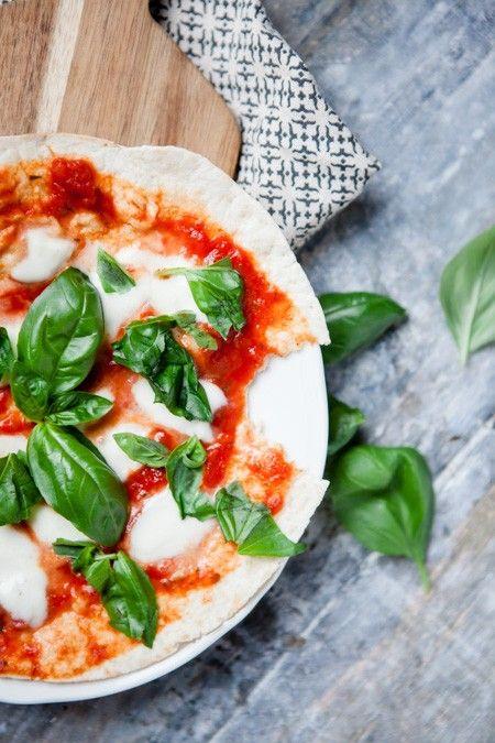 Blitzschnelle Pfannenpizza, mit Weizentortilla.