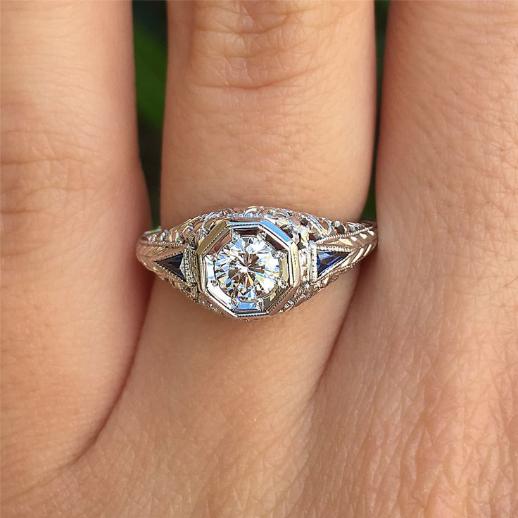 18 Karat Weißgold, Diamant & Saphir Vintage Verlobungsring von Belais