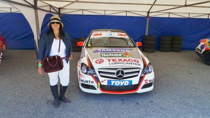 Con el auto del campeón 2013 MBPR