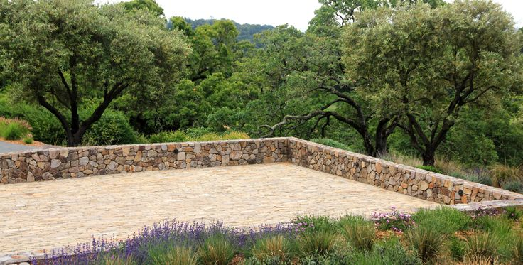 Nestled in the Mayacama foothills of Sonoma County, this estate garden has a complete driveway, solar and site-wide planting and irrigation renovation. Oklahoma cobble along with a re-framing of views from different vantage points, this property is elevated to even greater grandeur and grace.