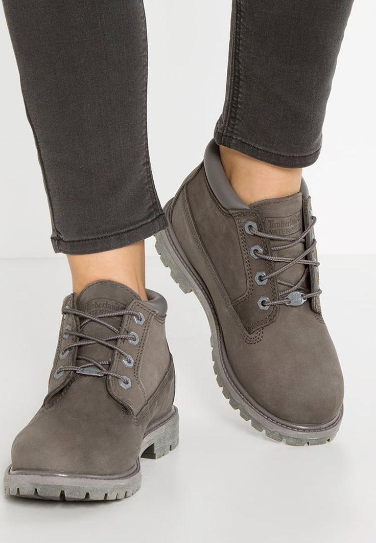 Bottines & Boots Timberland NELLIE - Boots à talons - dark grey gris: 150,00 € chez Zalando (au 09/10/16). Livraison et retours gratuits et service client gratuit au 0800 915 207.