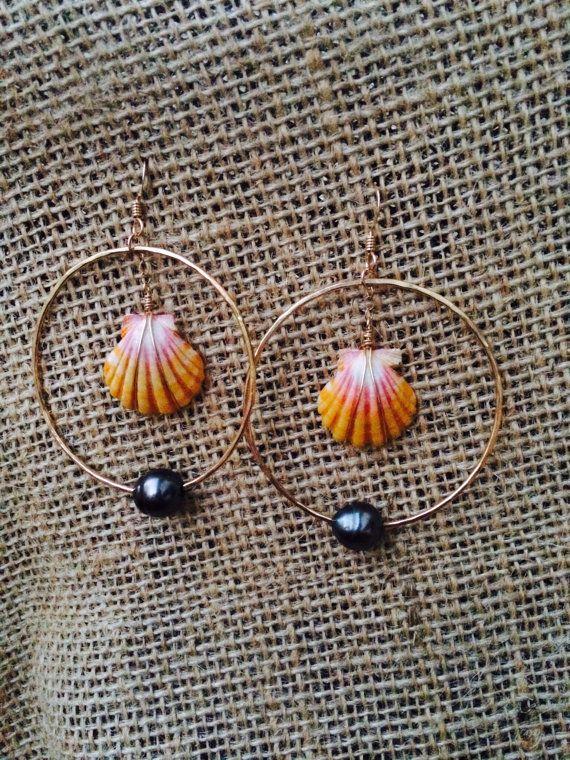 Sunrise shell and tahitian pearl earrings