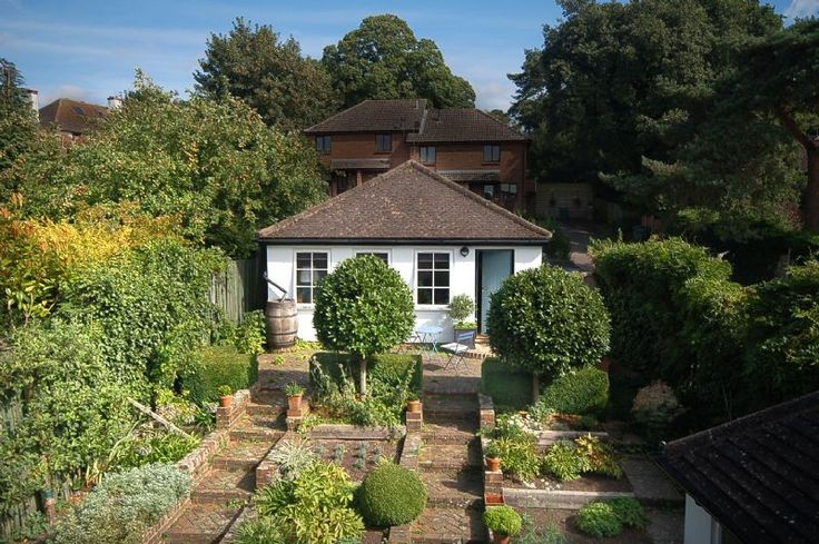 Bay Tree Cottage offers light and spacious 1 bed accommodation in Storrington, West Sussex, with wonderful views across The South Downs