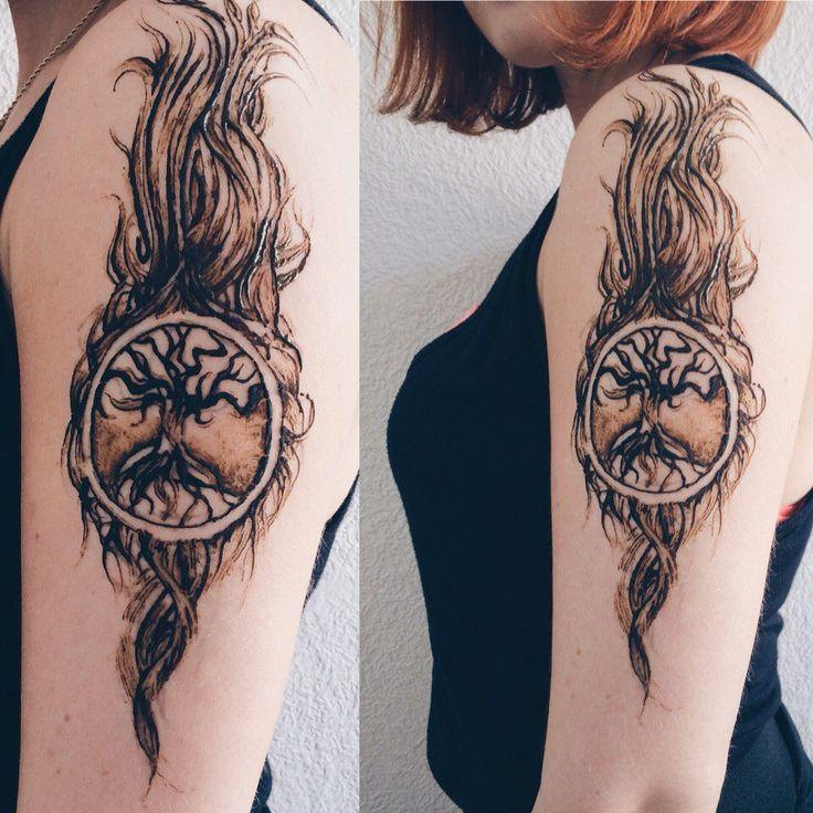 orient moon, Роспись хной на руках, мехенди, классическое мехенди, роспись хной на пальцах,  на пальцах, на ладошке, роспись хной на ладошке, красивый фон, тату хной, фото рук, красивое фото рук, самозамес хны, мехенди, хна, фото, henna, mehendi, дерево мехенди, роспись на плече, листья, ветви,  древо