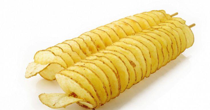 Чтобы приготовить это блюдо, вам понадобится картофель продолговатой формы, деревянные шпажки и острый нож. Смотрите еще больше аппетитных видео рецептов на Рамблер.Видео и вдохновляйтесь на создание кулинарных шедевров. И не забывайте делиться роликом с друзьями в социальных сетях.  <br />