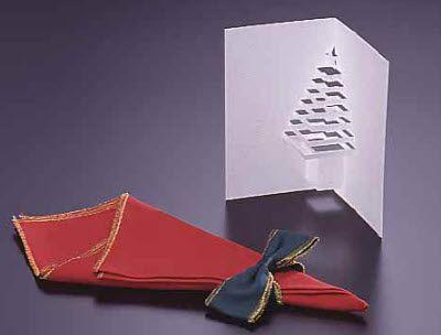 http://www.albertopiccini.it/2010/12/04/lavoretti-di-natale-cartolina-dauguri-pop-up-fai-da-te-tridimensionale-con-lalbero-di-natale/