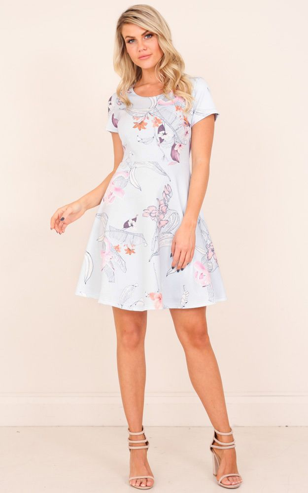 Make everyone around you lose their breath when they see how good you look in this summer staple dress!
