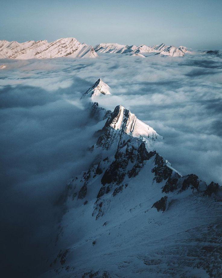 Sailing the endless ocean of clouds 🇨🇦@travelalberta via @muenchmax / Instagram