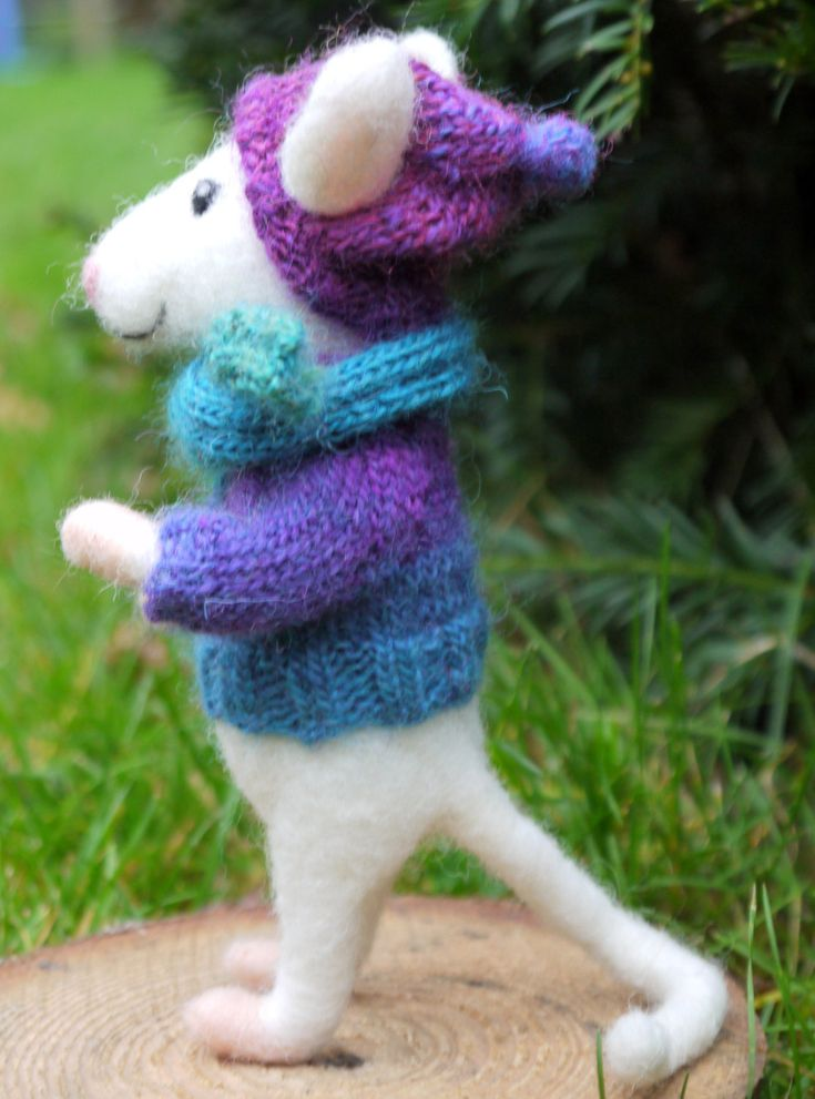 Needle felted mouse in knit sweater and cap by Artywool