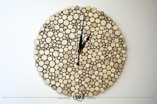 Große Uhr aus Holzscheiben / big wooden wall cock, nature, scandic living by woodlovers via DaWanda.com