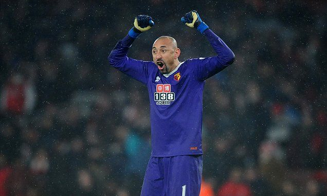 Watford keeper Heurelho Gomes signs new two-year deal