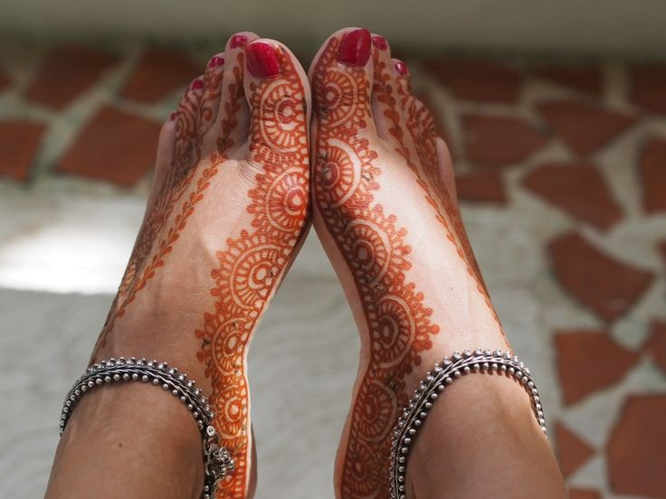 feet by henna lounge
