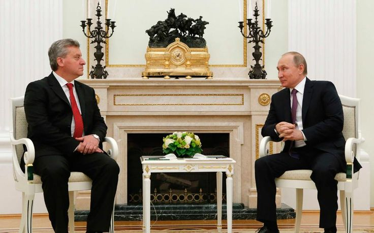 Στη συνάντησή του με τον πρόεδρο της FYROM, Γκεόργκι Ιβάνοφ, στη Μόσχα, ο Βλαντιμίρ Πούτιν πάτησε το κουμπί της «έκρηξης» και οι ρητορικοί κανονιοβολισμοί ήχησαν στη Σόφια, στα Σκόπια και στην Αθήνα, ακόμη και στο Βερολίνο.