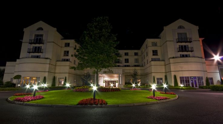 An outdoor shot of The Knightsbrook Hotel
