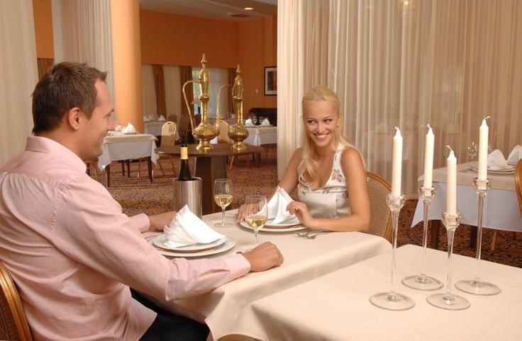 http://www.rajzazitku.cz/5-relaxace-a-wellness/342-gurmanska-noc-v-laznich.htm
