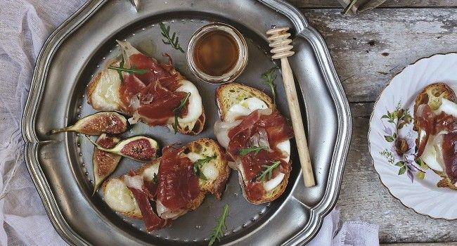 Baked Crostini Recipe | Eileen Dunne-Crescenzi | TheTaste.ie