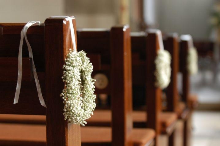 f r die kirche kr nze aus schleierkraut deko deko pinterest wedding hochzeit and weddings. Black Bedroom Furniture Sets. Home Design Ideas